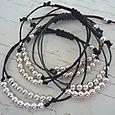 Bracelets perles argent (deux tailles de perles, et coloris du lien  au choix) : 32.00€