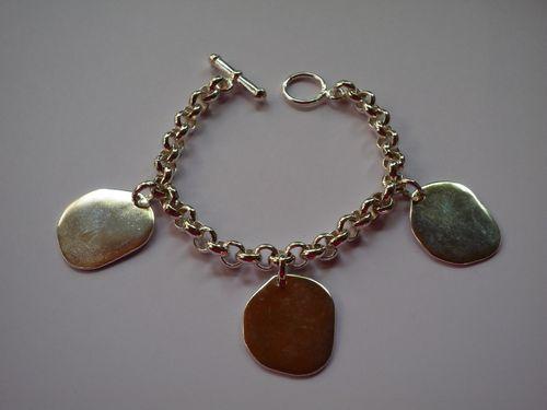 """Bracelet argent """"galet"""" : 140.00 €"""
